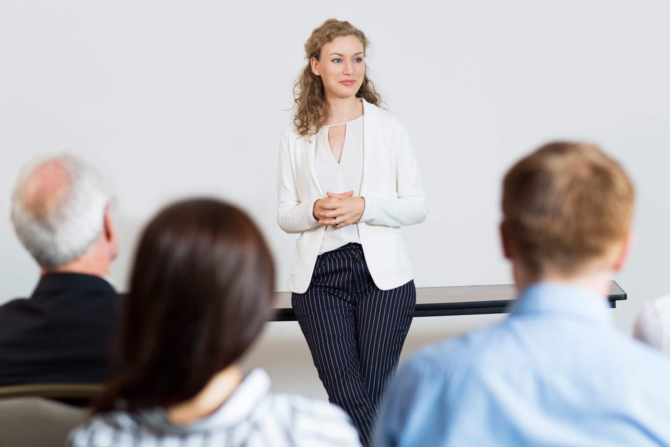 como superar el miedo a hablar en publico