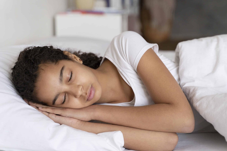 como quitar el miedo a dormir solo a un niño